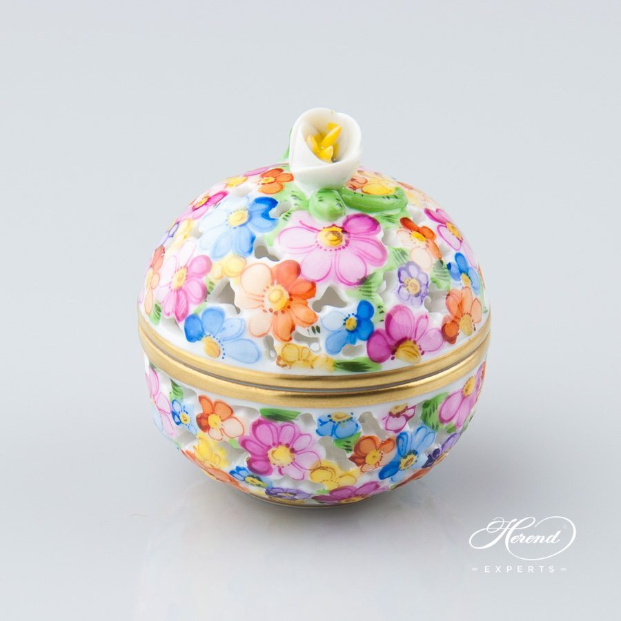 Bonbonniere with Bud Knob - Open work 6219-0-12 C Naturalistic pattern - Herend porcelain hand painted.