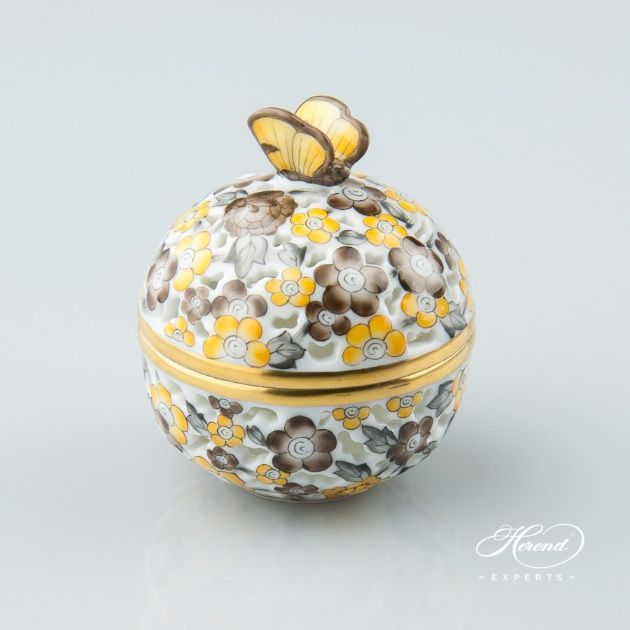 Bonbonniere with Butterfly Knob - Open work 6219-0-17 C5 Naturalistic pattern - Herend porcelain hand painted.