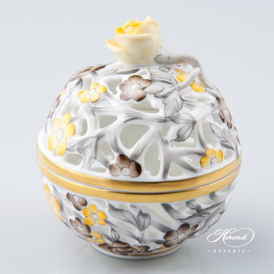 Bonbonniere - Open work 6215-0-09 C5 Naturalistic pattern - Herend porcelain hand painted.