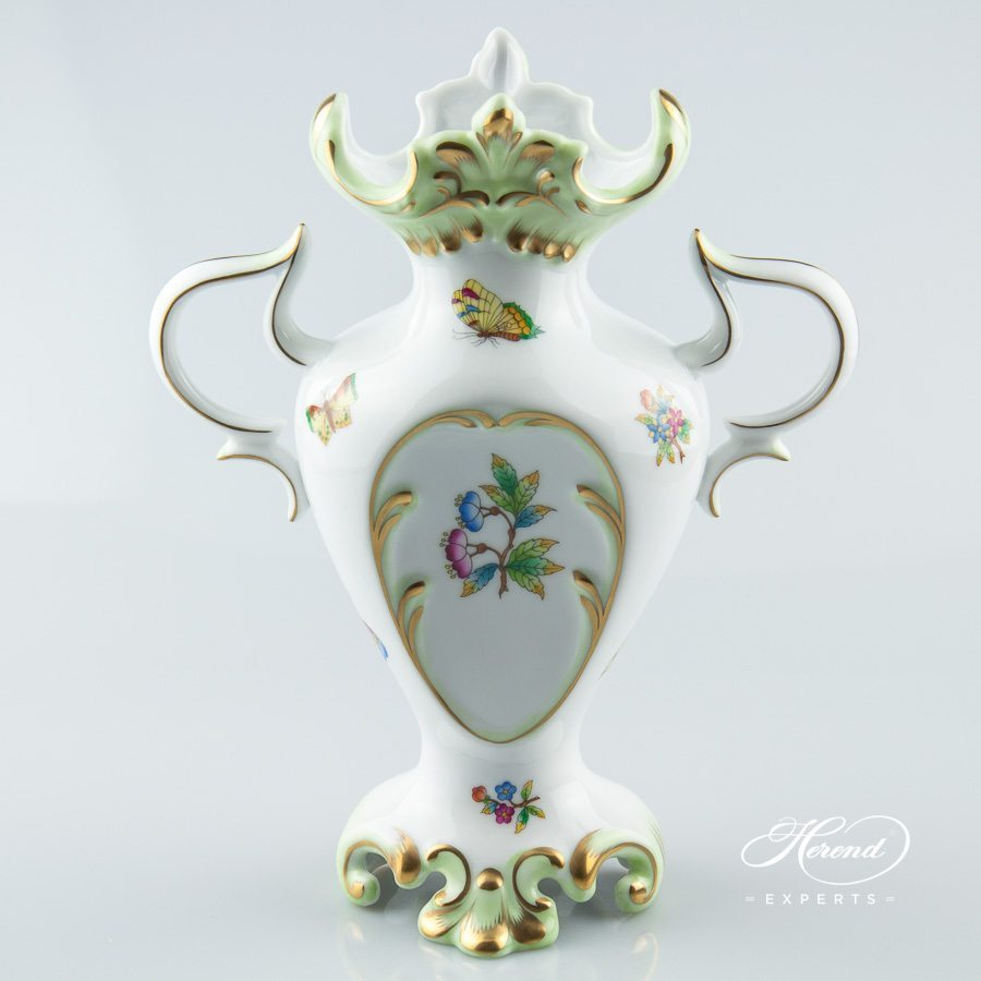 Fancy Vase with Handle 6532-0-00 VBO Queen Victoria decor - Herend porcelain.