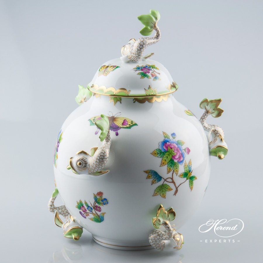 Fancy Vase with Dolphins 6084-0-18 VBO Queen Victoria decor - Herend porcelain.