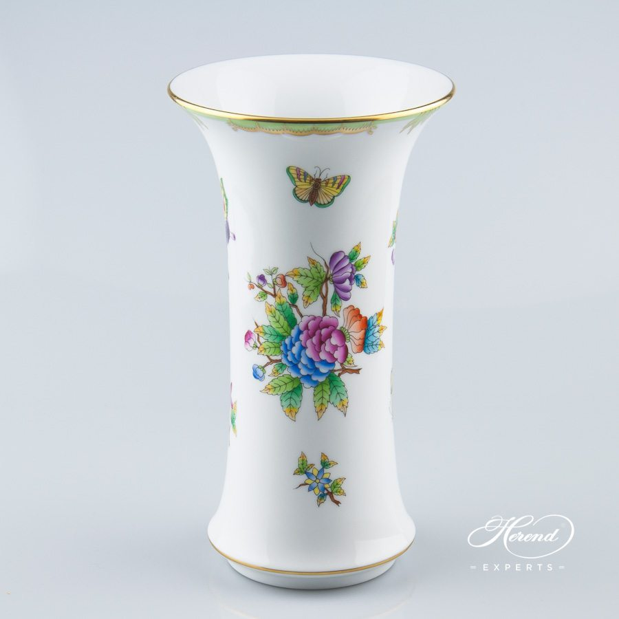 Vase 6442-0-00 VBO Queen Victoria pattern - Herend porcelain hand painted.