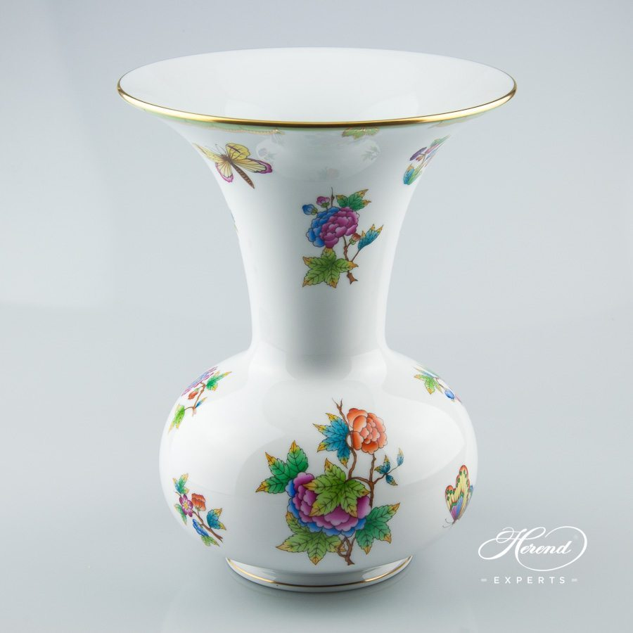 Vase 6657-0-00 VBO Queen Victoria decor - Herend porcelain hand painted.