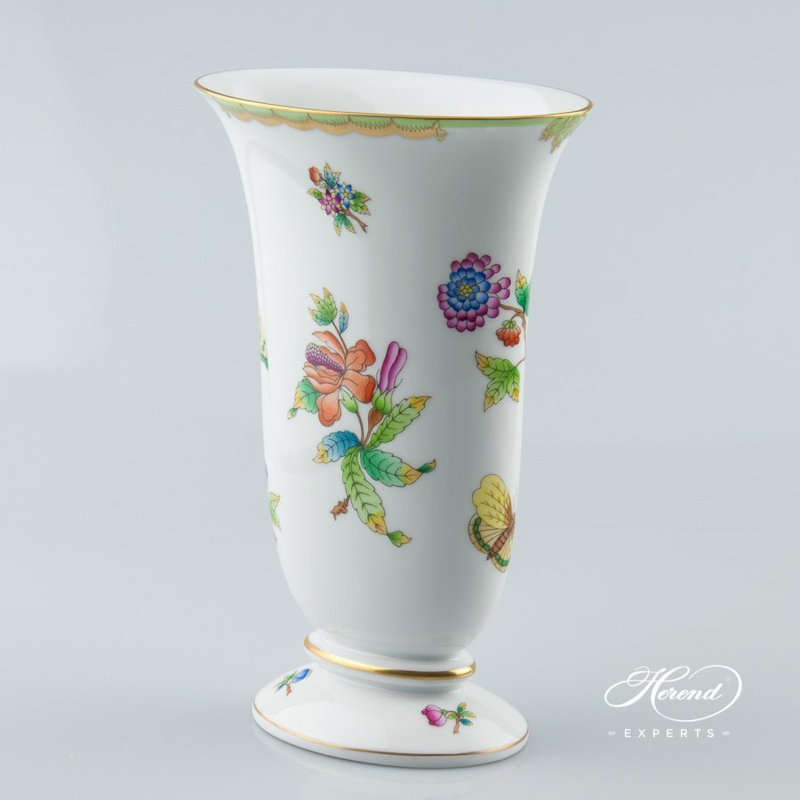 Vase 6778-0-00 VBO Queen Victoria decor - Herend porcelain.