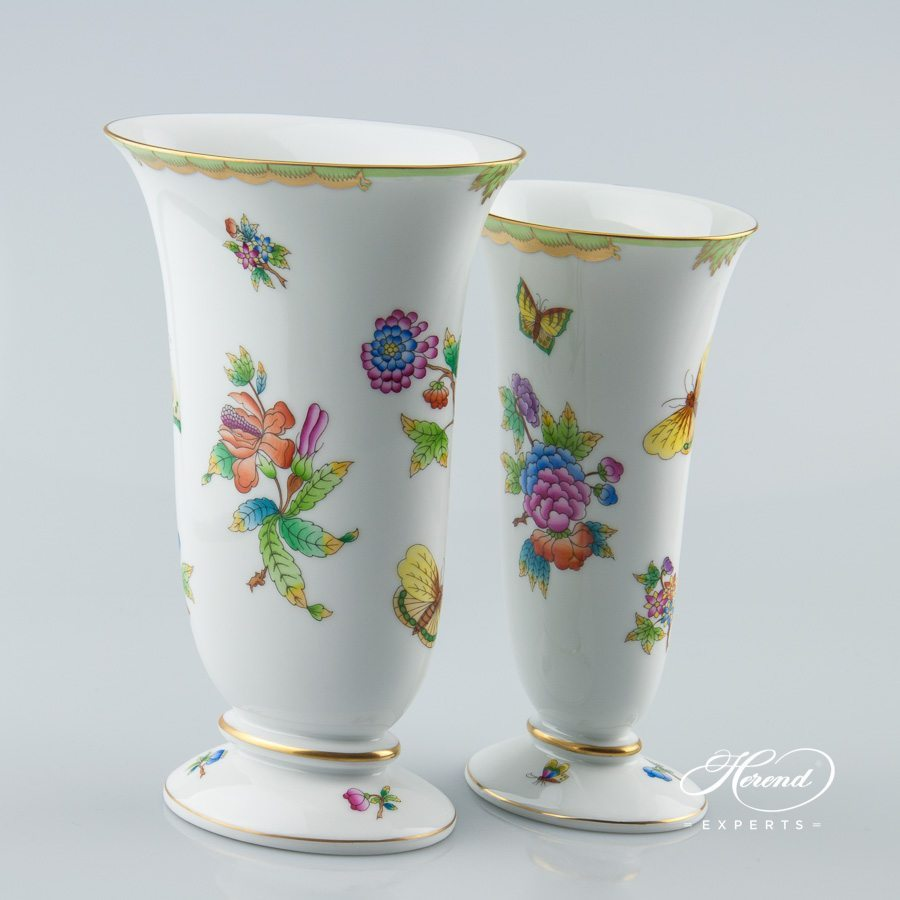Vase 6778-0-00 VBO and 6779-0-00 VBO Queen Victoria decor - Herend porcelain.