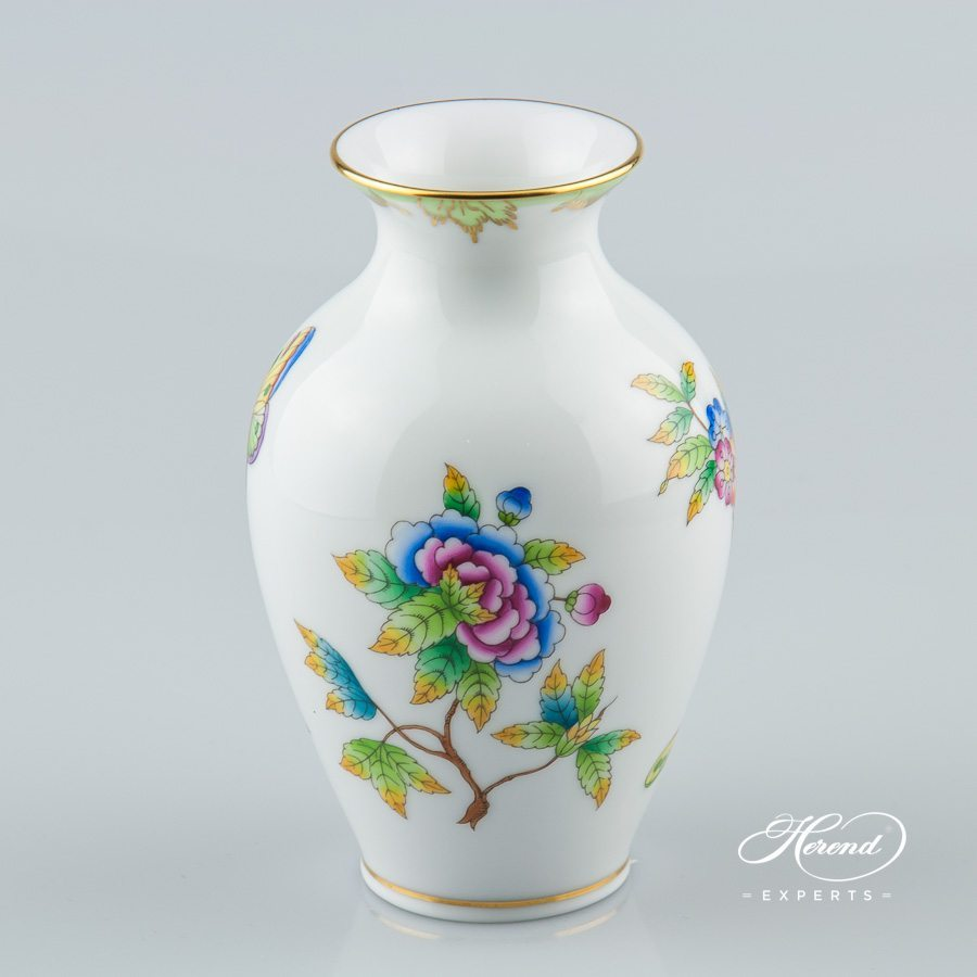 Vase 7003-0-00 VBO Queen Victoria decor - Herend porcelain hand painted.