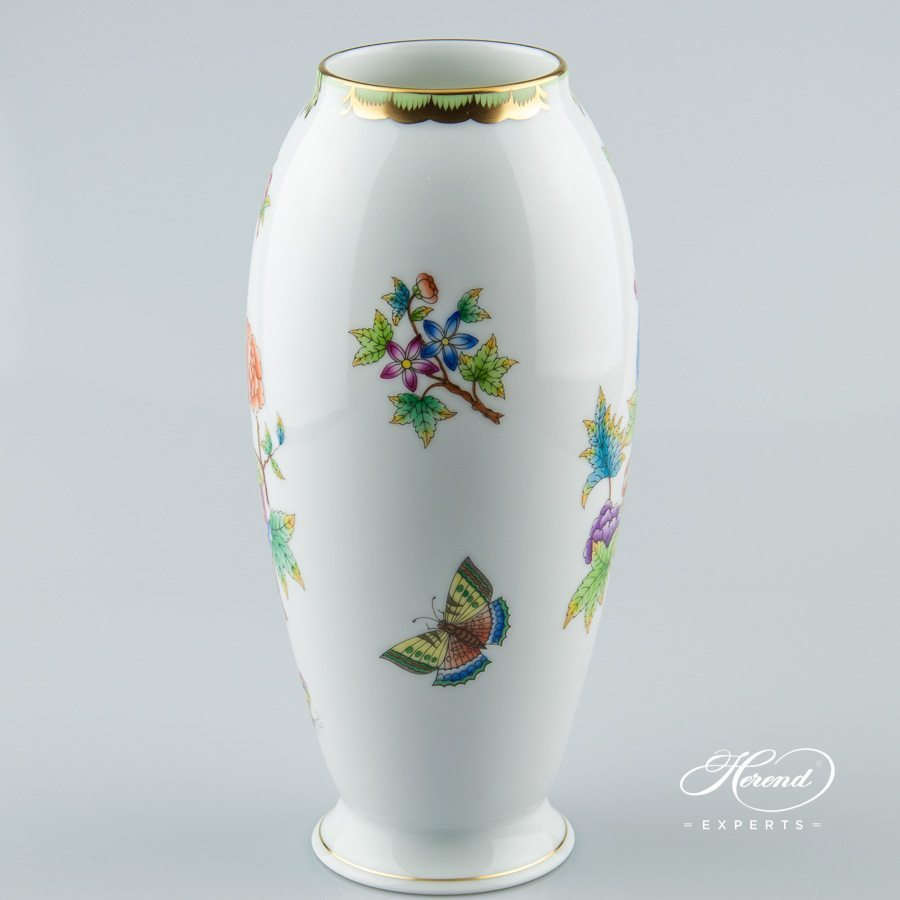 Vase 7011-0-00 VBO Queen Victoria pattern - Herend porcelain hand painted.