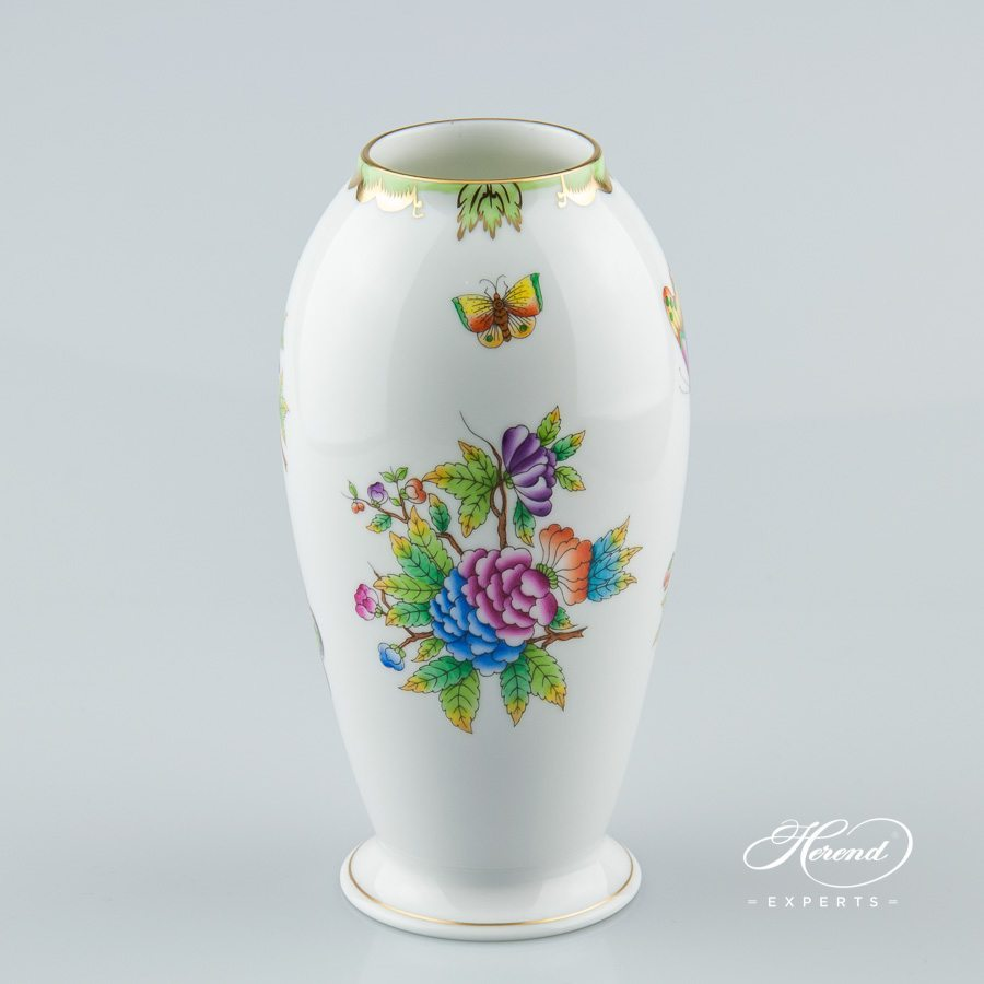 Vase 7012-0-00 VBO Queen Victoria pattern - Herend porcelain hand painted.
