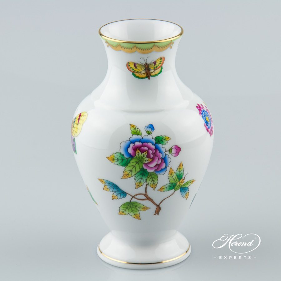 Vase 7027-0-00 VBO Queen Victoria pattern - Herend porcelain hand painted.