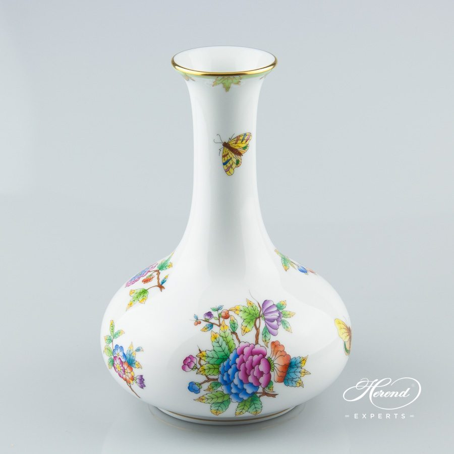 Vase 7070-0-00 VBO Queen Victoria decor - Herend porcelain hand painted.