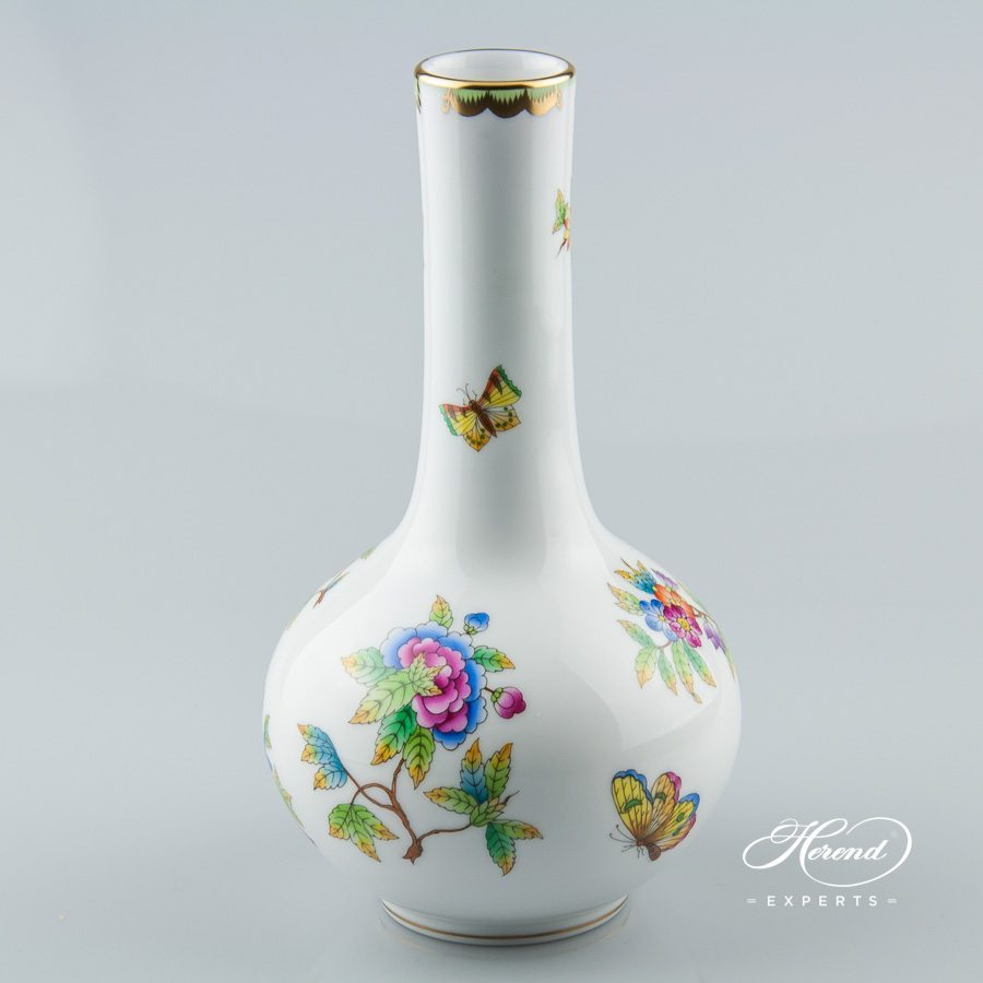 Vase 7093-0-00 VBO Queen Victoria decor - Herend porcelain hand painted.