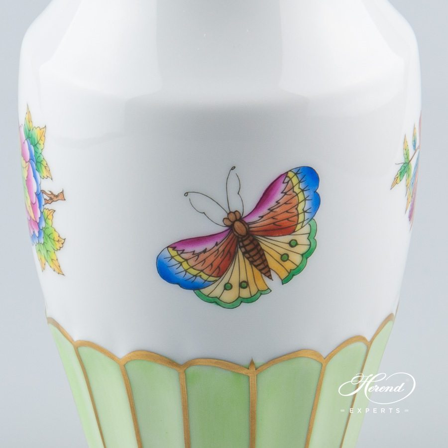Vase 7163-0-00 VBO Queen Victoria pattern - Herend porcelain hand painted.
