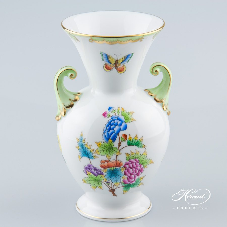 Vase 7023-0-19 VBO Queen Victoria pattern - Herend porcelain hand painted.