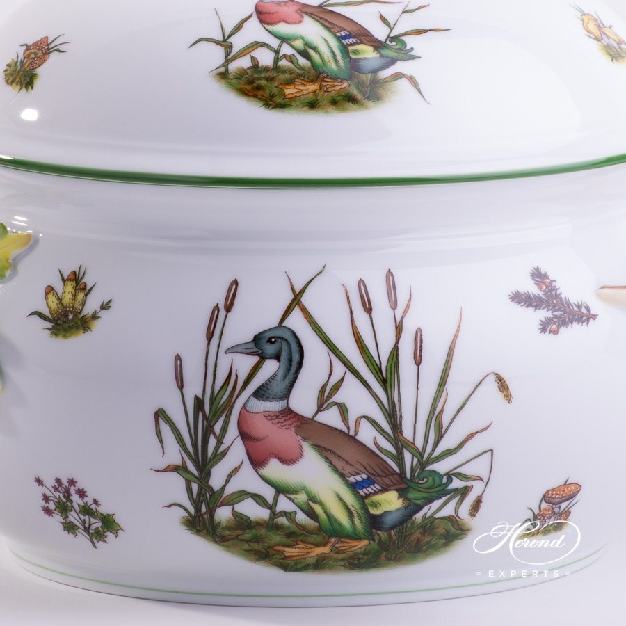 Soup Tureen Hunter Trophies CHTM pattern - Herend porcelain hand painted.