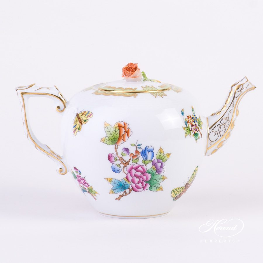 Tea Pot with Rose Knob 605-0-09 VBO Queen Victoria pattern. Herend porcelain hand painted