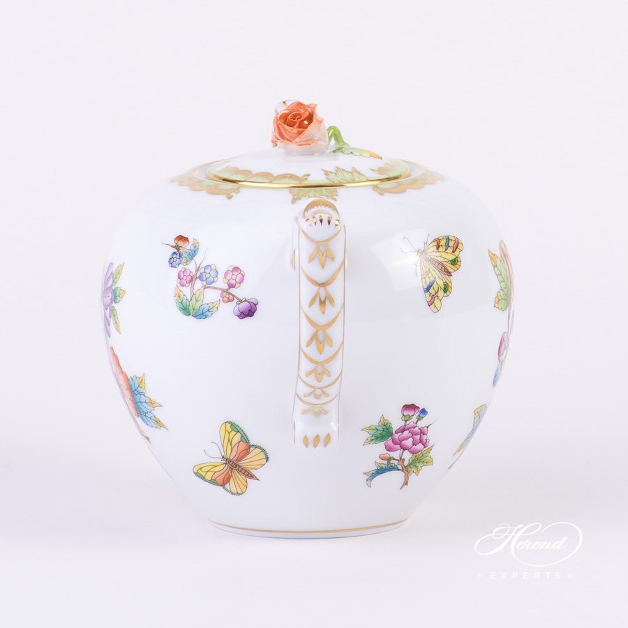 Tea PotwithRose Knob605-0-09 VBO Queen Victoria pattern. Herend porcelain hand painted