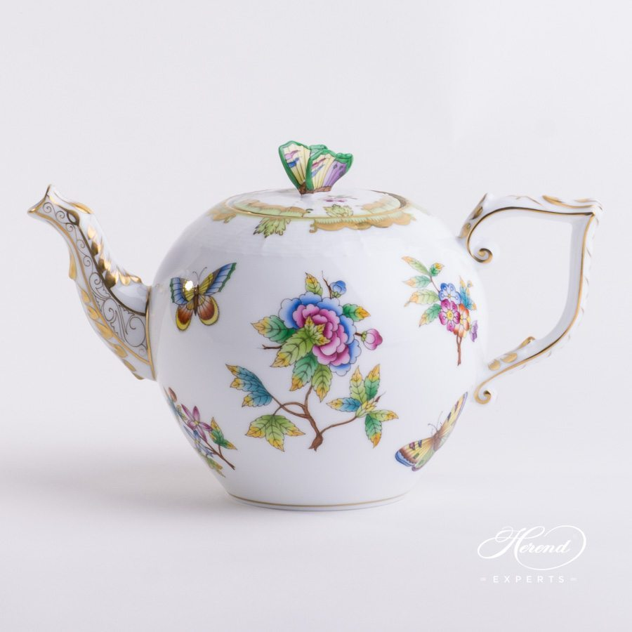 Tea Pot with Butterfly Knob 605-0-17 VBO Queen Victoria pattern. Herend porcelain hand painted