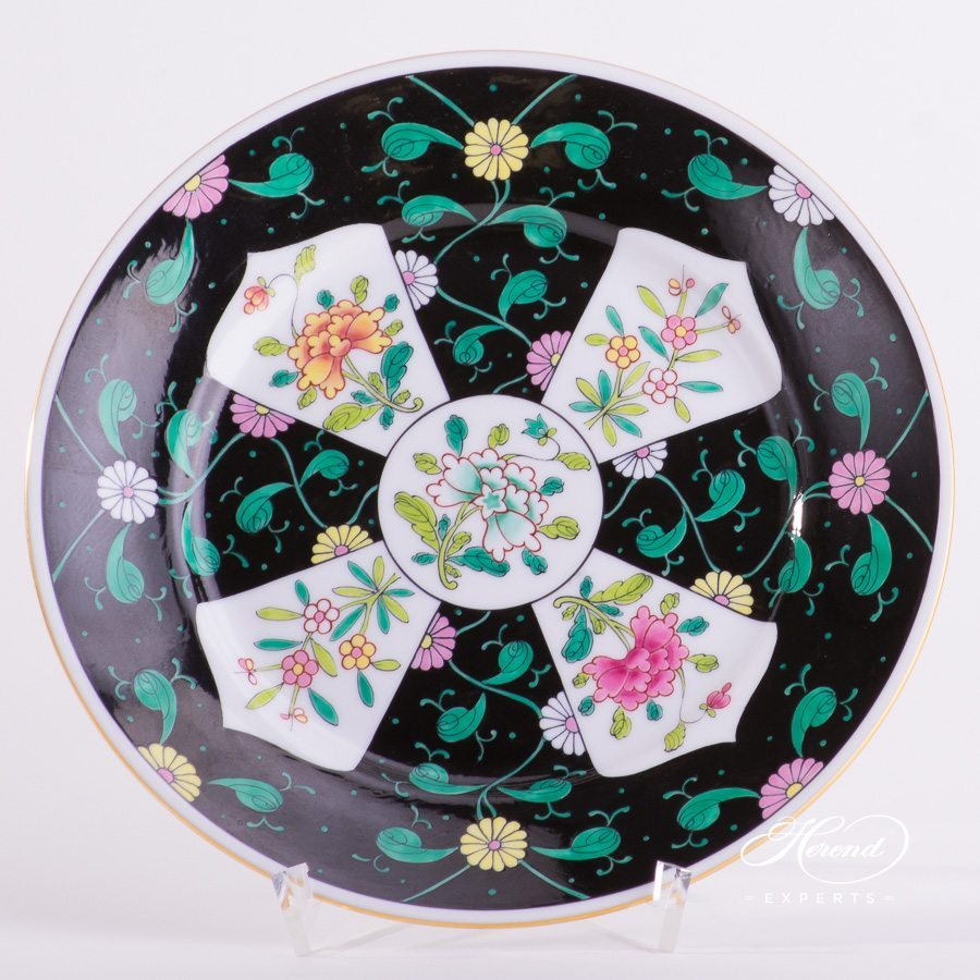 Dessert Plate 2520-0-00 SN Siang Noir Chinoiserie pattern. Herend porcelain tableware. Hand painted