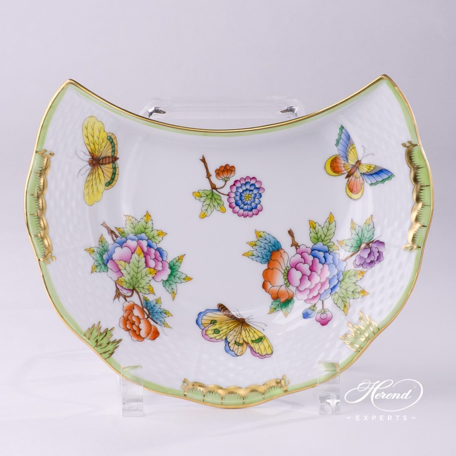 Crescent Plate Queen Victoria VBO pattern - Herend porcelain hand painted.