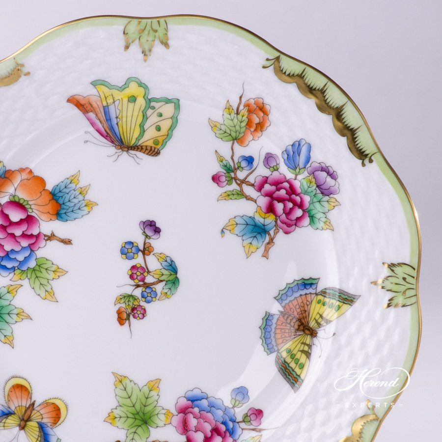 Dessert Plate 517-0-00 VBO Queen Victoria pattern - Herend porcelain hand painted.