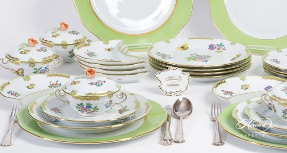 Dinner Set for 6 Persons Queen Victoria VBA pattern - Herend fine china hand painted.