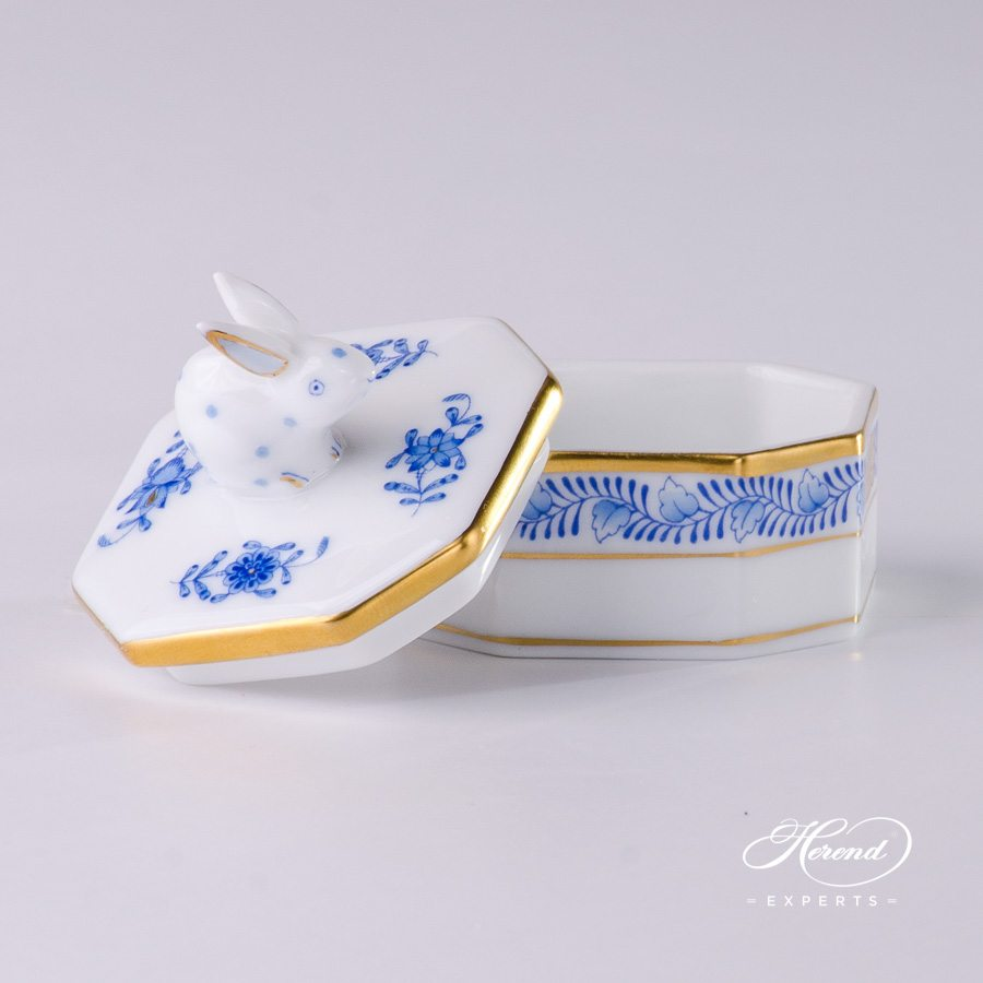Fancy Box with Rabbit Knob 6105-0-25 AB Apponyi Blue pattern - Herend porcelain.