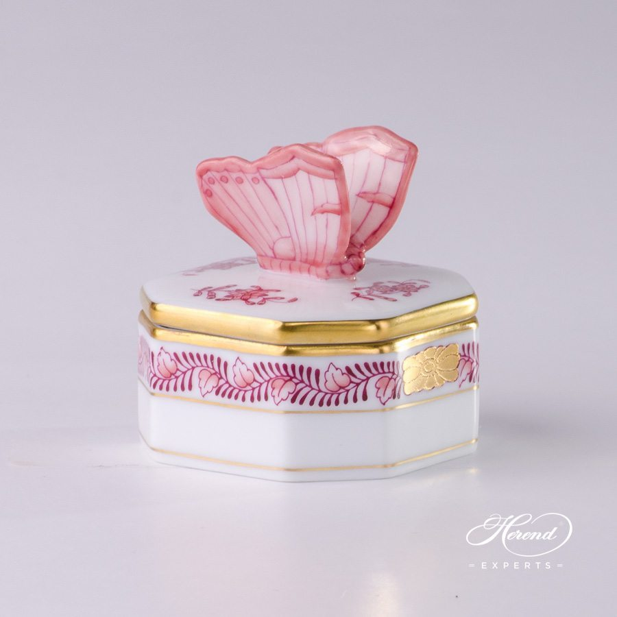 Fancy Box with Butterfly Knob 6105-0-17 AP2 Apponyi Light Pink pattern - Herend porcelain.
