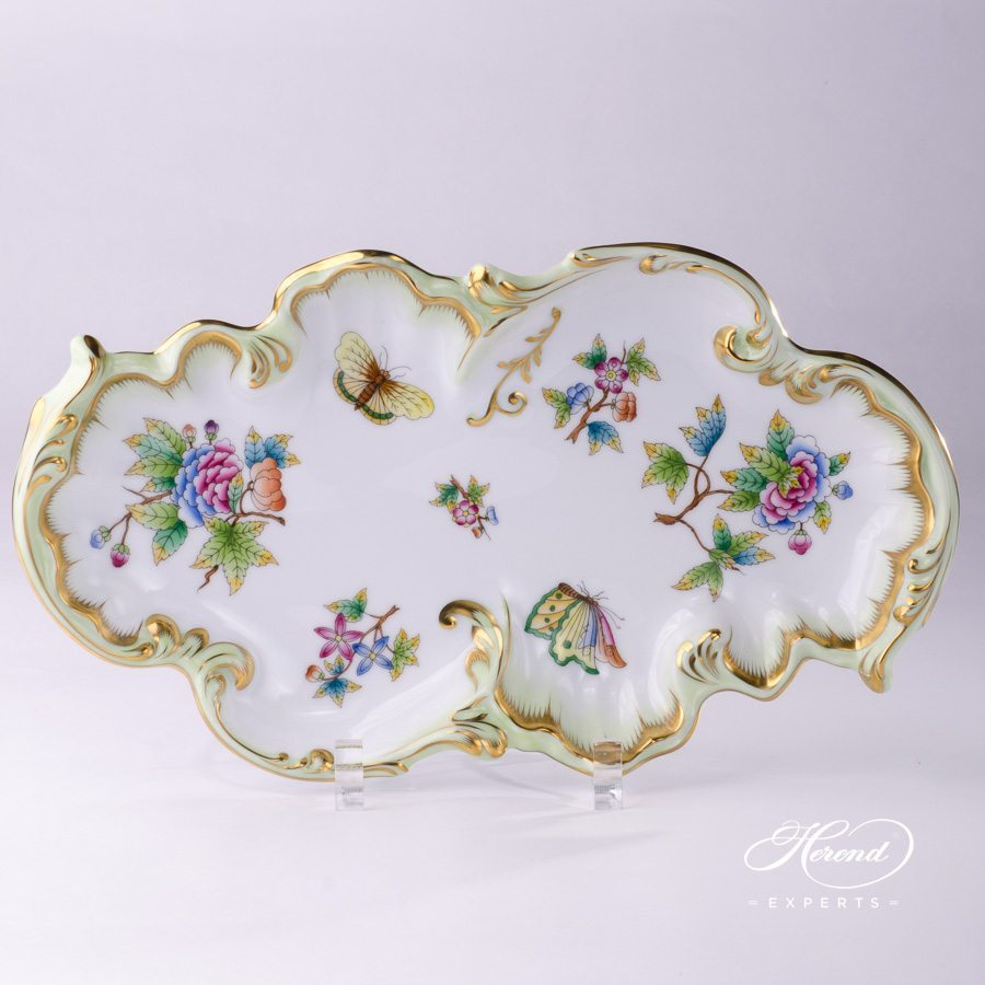 Dish Rococo Queen Victoria VBO pattern - Herend porcelain hand painted.