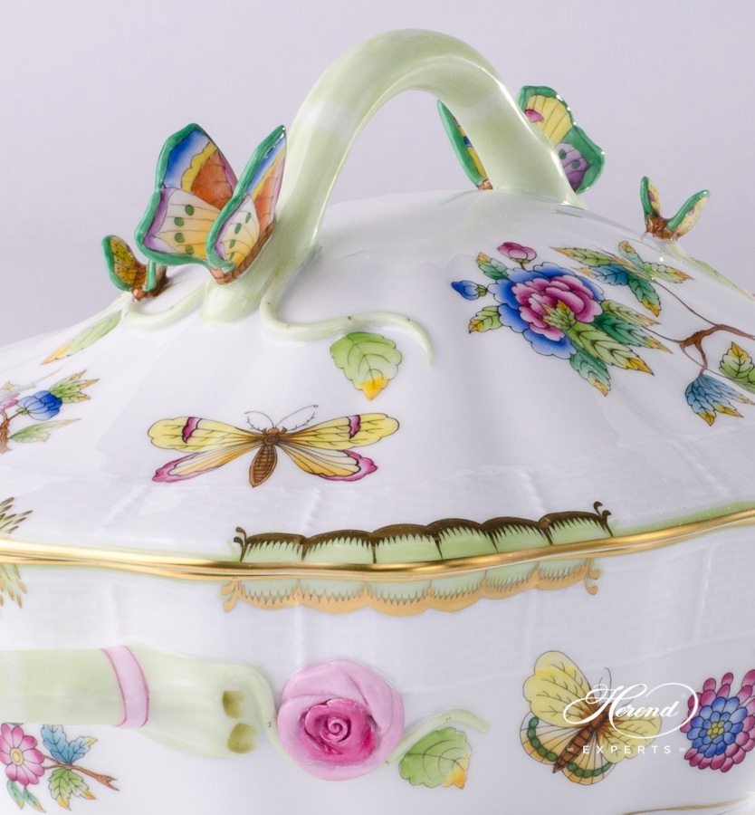 Ragout or Vegetable Dish Queen Victoria VBO pattern - Herend porcelain.