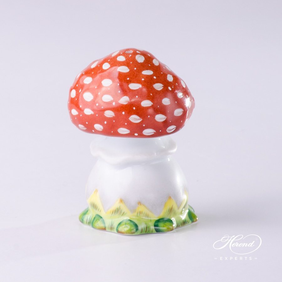 Pepper Shaker 349-0-00 C Naturalistic pattern Mushroom shaped - Herend porcelain hand painted.