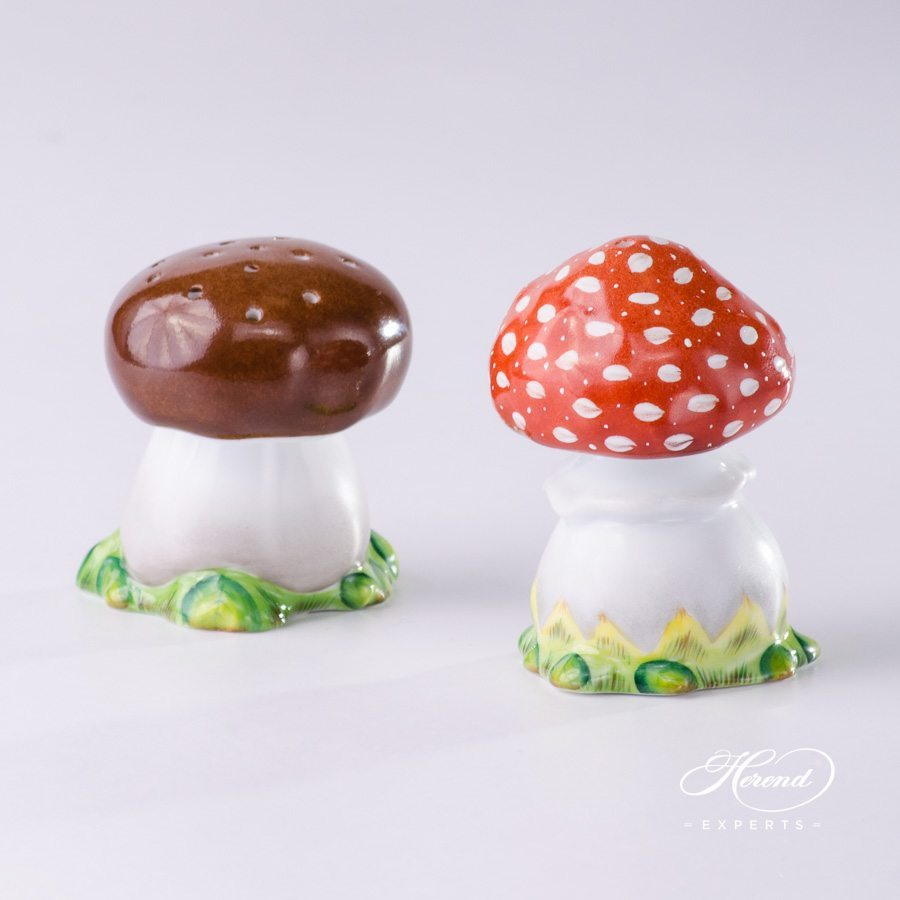 Salt Shaker 348-0-00 C and Pepper Shaker 349-0-00 C Naturalistic pattern Mushroom shaped - Herend porcelain hand painted.