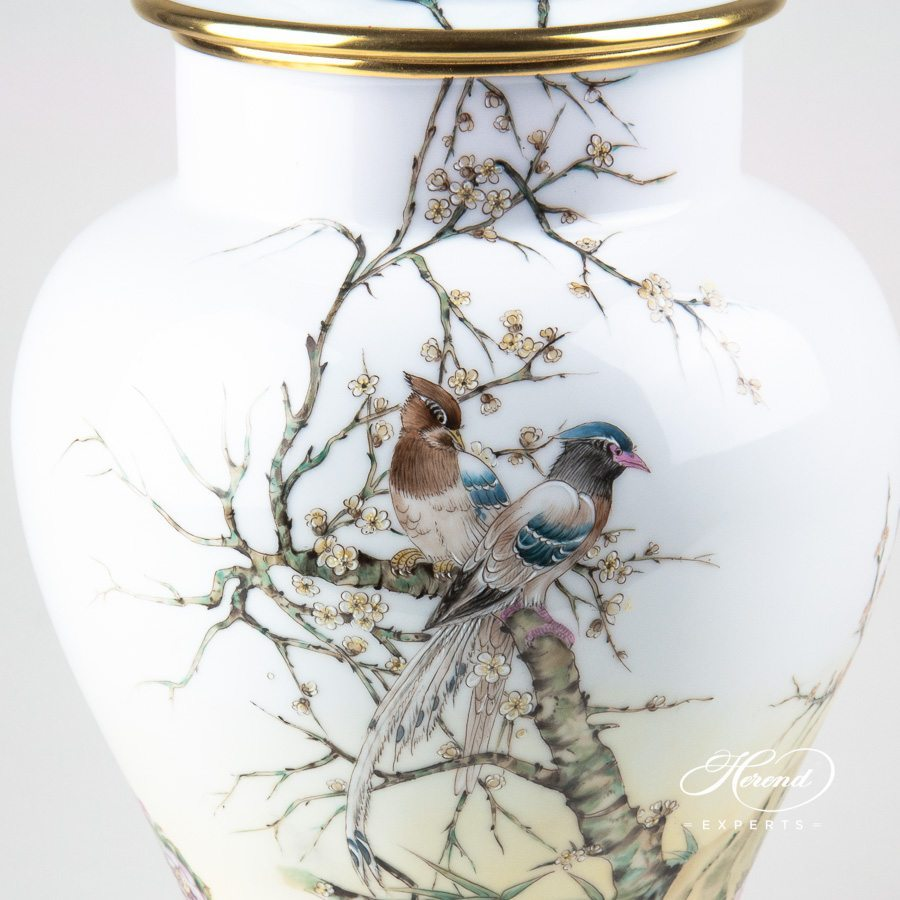 Vase Special Bird 6572-0-15 SP860-A naturalistic pattern - Herend porcelain hand painted.