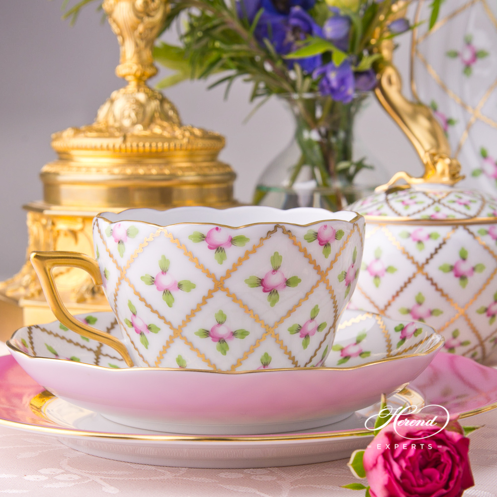Tea Cup /CoffeeCup20730-0-00 SPROG Sevres Roses pattern. Herend fine china hand painted. Classic Herend design