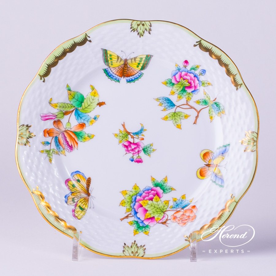 Dessert Plate 517-0-00 VBO Queen Victoria decor. Herend porcelain tableware. Hand painted