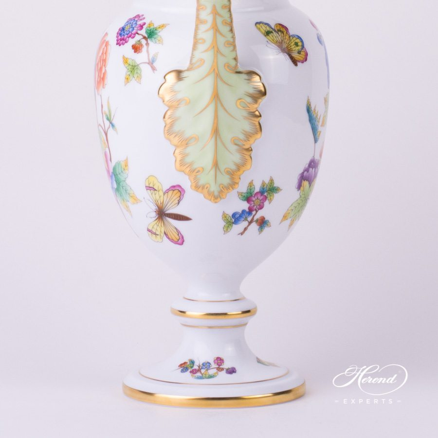 Fancy Vase with Lid Queen Victoria VBO pattern - Herend porcelain.
