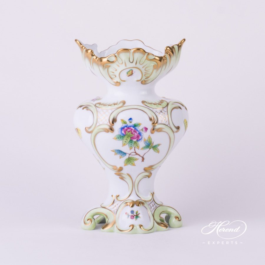 Fancy Vase Queen Victoria VBO pattern - Herend porcelain.