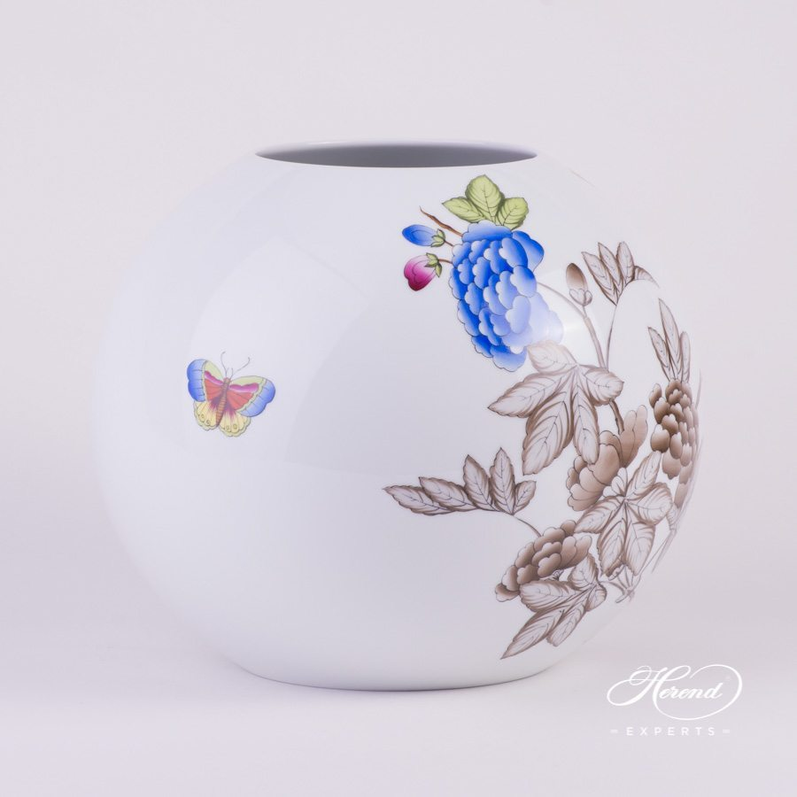 Vase Special Queen Victoria 7005-0-00 VICTSP2 Special pattern - Herend porcelain hand painted.