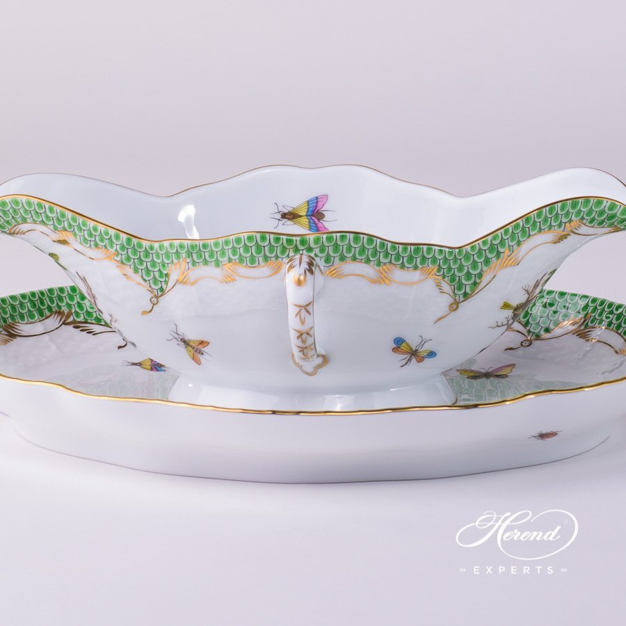 Sauce Boat with Oval Dish 220-0-00 RO-ETV and 211-0-00 RO-ETV green fishnet