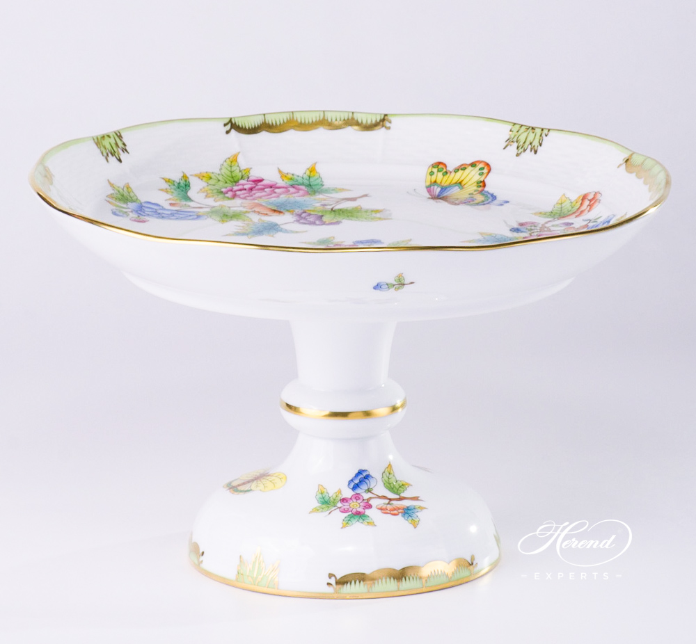 Cake Stand 311-0-00 VBO Queen Victoria pattern. Herend porcelain hand painted