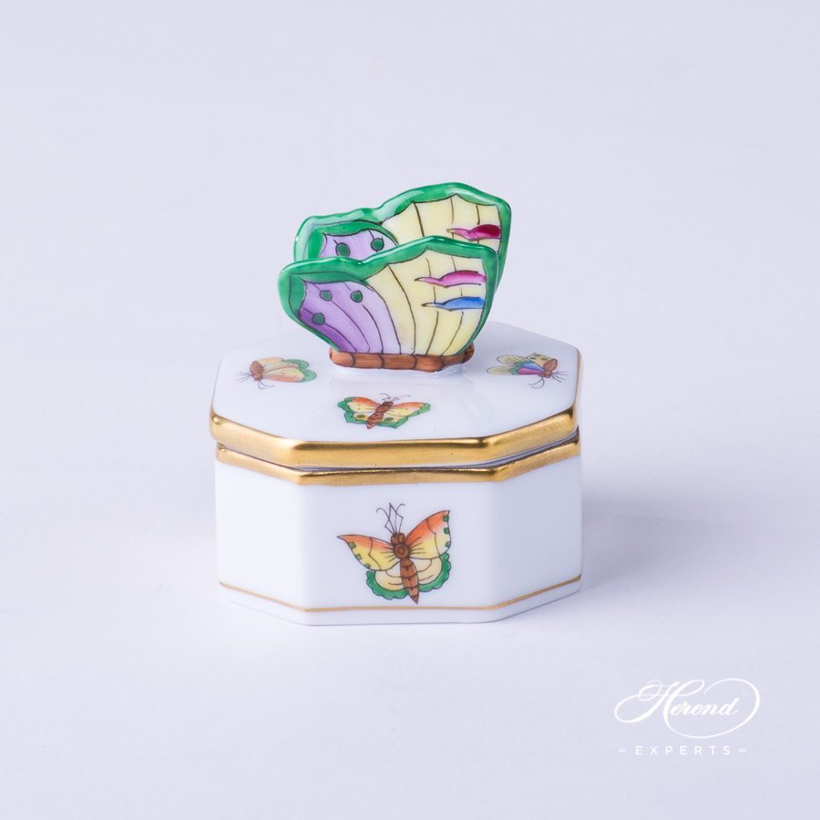 Fancy Box with Butterfly Knob 6105-0-17 PLVT-3 Special Butterfly pattern - Herend porcelain hand painted.