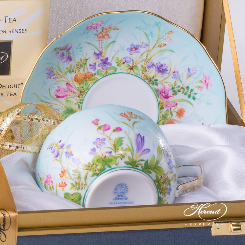 Tea Cup / Coffee Cup w. Saucer for 2 Persons in Gift Box - Four Seasons QS pattern. Herend fine china hand painted. Volume 2 dl (6 OZ)