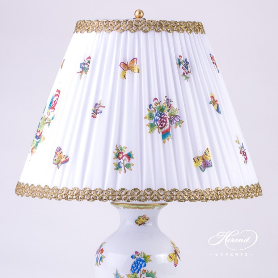Large Lamp with Shade 6737-9-00 VBO Queen Victoria pattern - Herend porcelain hand painted.