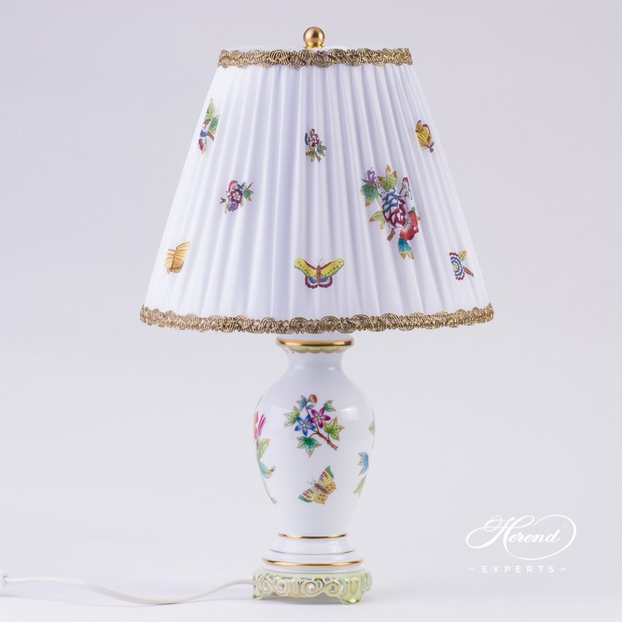 Small Lamp w. Silk Shade 6739-9-00 VBO Queen Victoria pattern. Herend hand painted fine china. Table Lamp