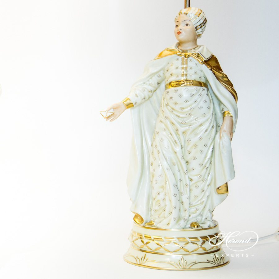 Lamp Lady Figurine 5767-9-00 C-1 Naturalistic pattern - Herend porcelain hand painted.