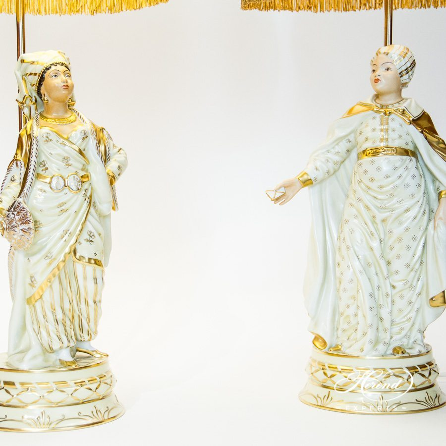 Lamp Lady Figurines 5766-9-00 C-1 and 5767-9-00 C-1 Naturalistic pattern - Herend porcelain hand painted.