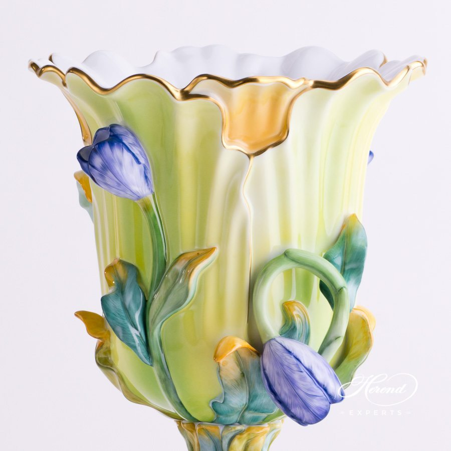 Large Tulip Vase 6516-0-00 CD-RI4 Naturalistic pattern - Herend porcelain hand painted.