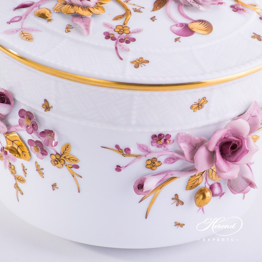 Fancy Biscuit Box with Flower Applications 6299-0-66 CD-1 Naturalistic pattern - Herend porcelain hand painted.