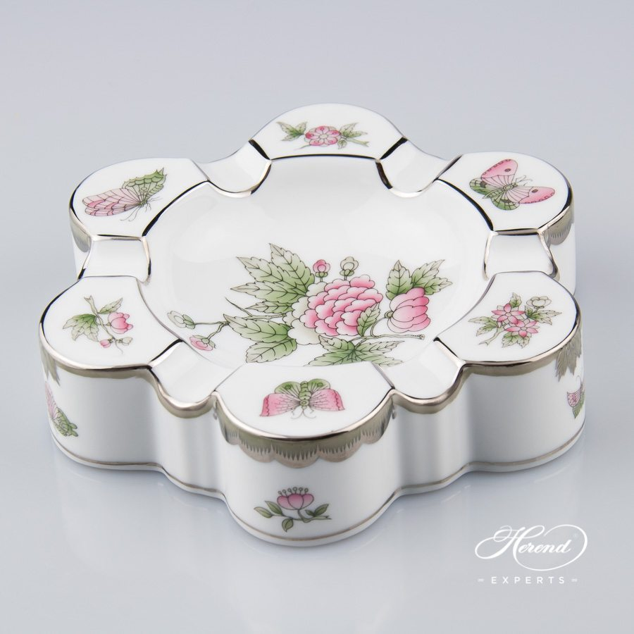 Ashtray 7700-0-00 VBOG-X1-PT Queen Victoria Platinum pattern - Herend porcelain hand painted.