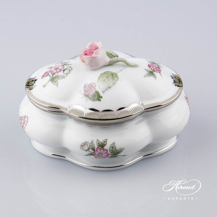 Fancy Box w. Rose Knob 6058-0-09 VBOG-X1-PT Queen Victoria Platinum design. Herend fine china hand painted. Modern style Ornaments