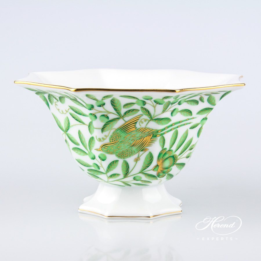 Vase small 7049-0-00 ZOVA - Green ZOO pattern - Herend porcelain hand painted.